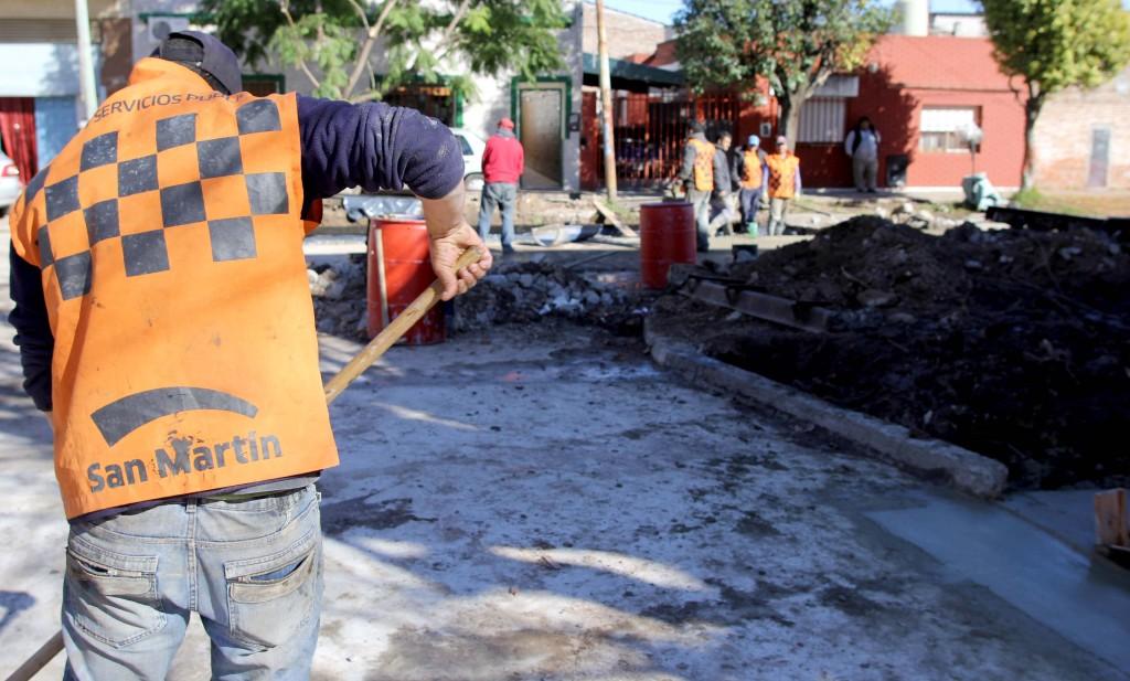 Obras_de_repavimentación_en_Pelagio_Luna_y_Bahía_Blanc a