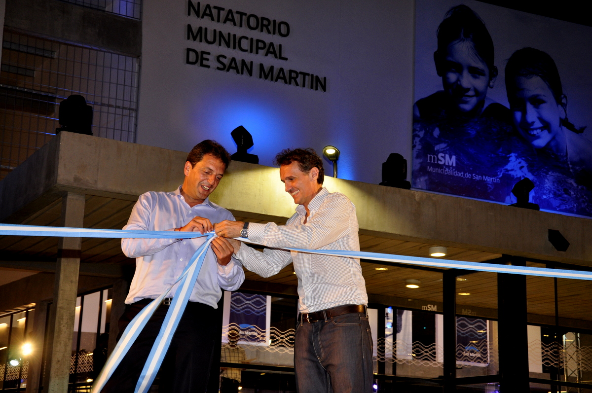 Katopodis_y_Massa_en_la_inauguración_del_primer_natatorio _municipal_de_San_Martín