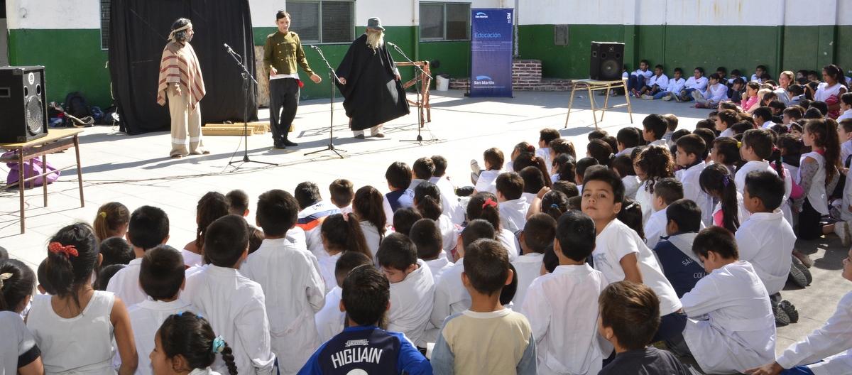 La Escuela y el Teatro, en la E.P. Nº 24