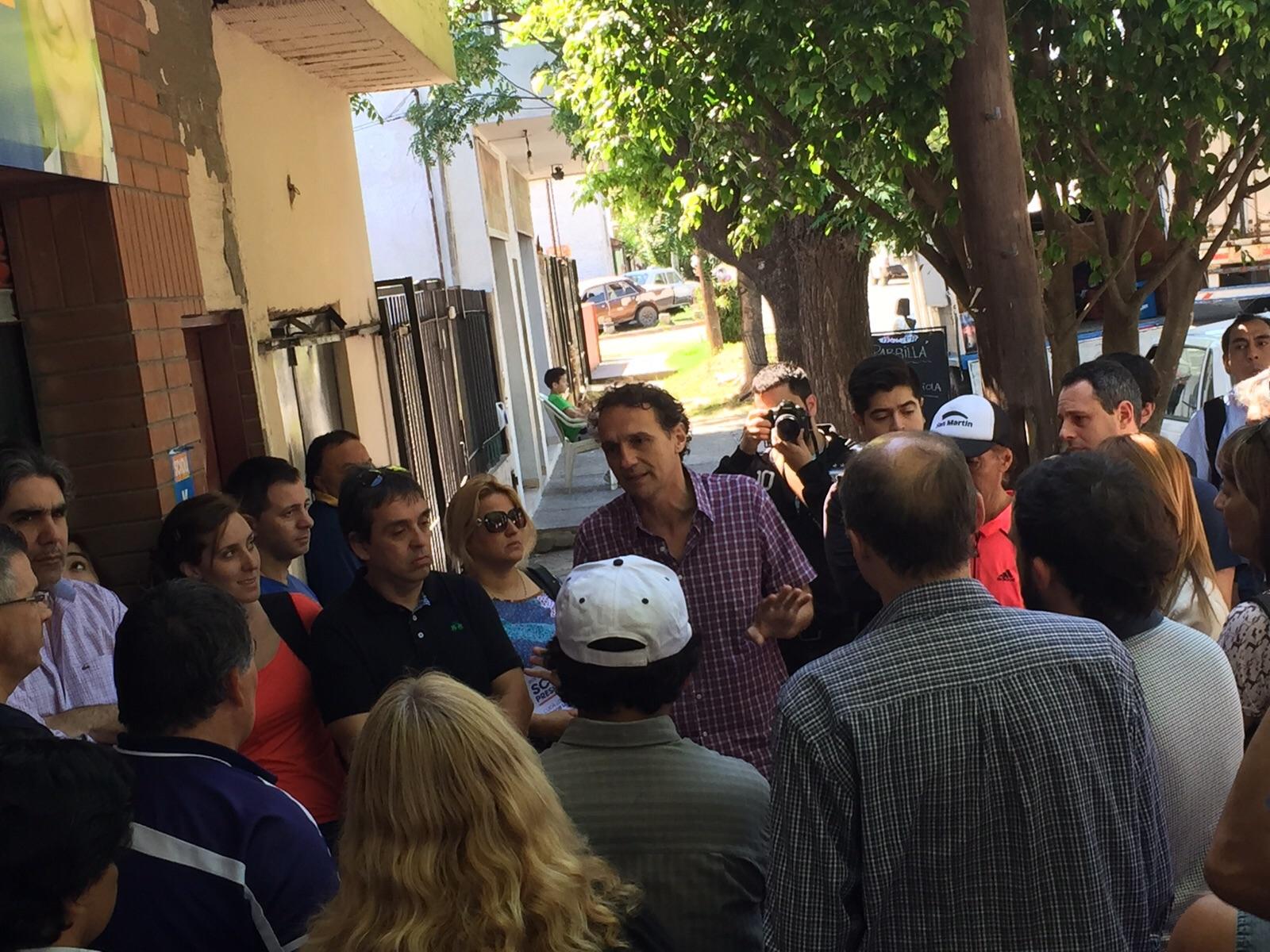 Katopodis recorriendo los barrios de San Martín