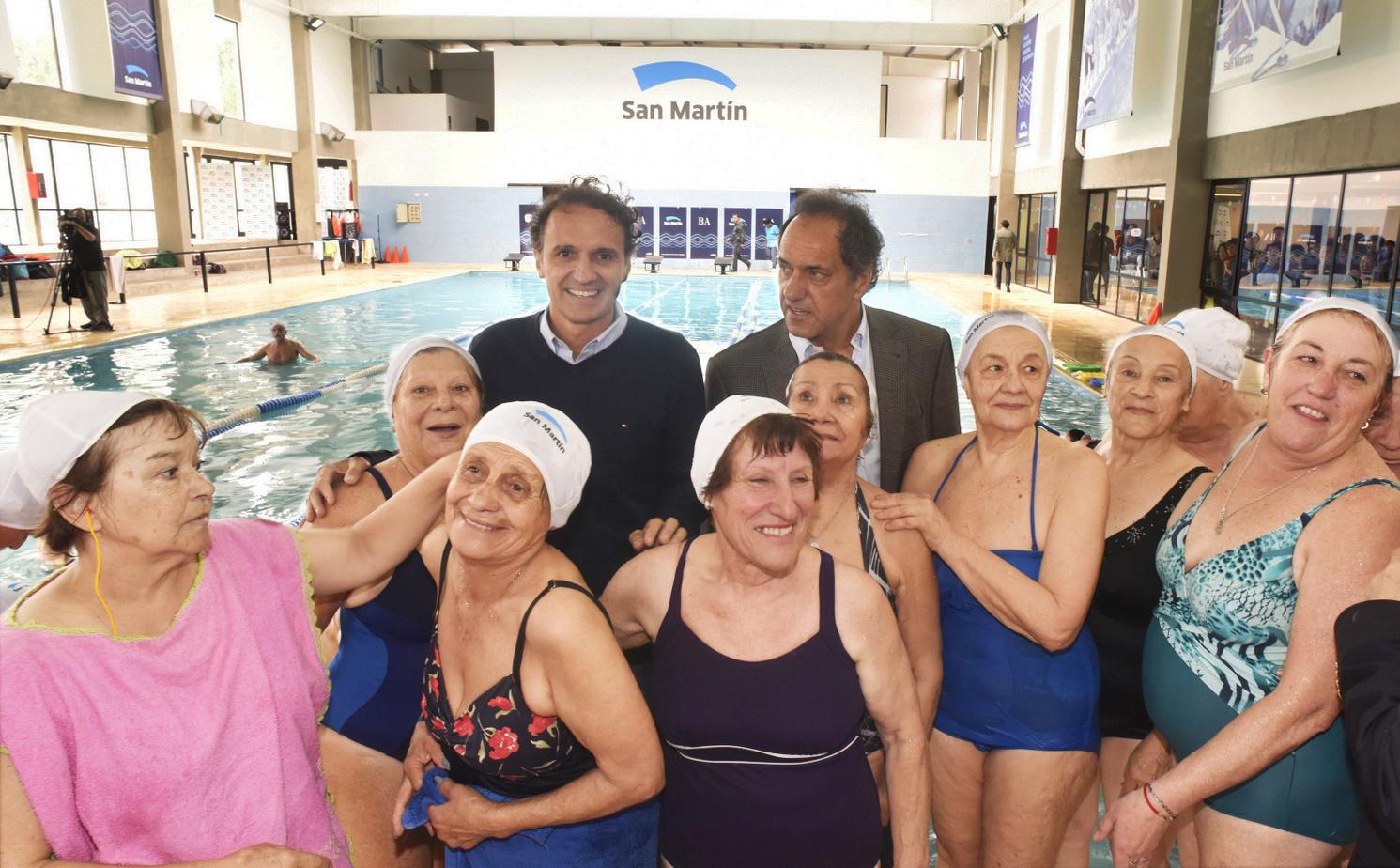 Katopodis y Scioli visitaron el Complejo Natatorio Municipal de San Martín (2)